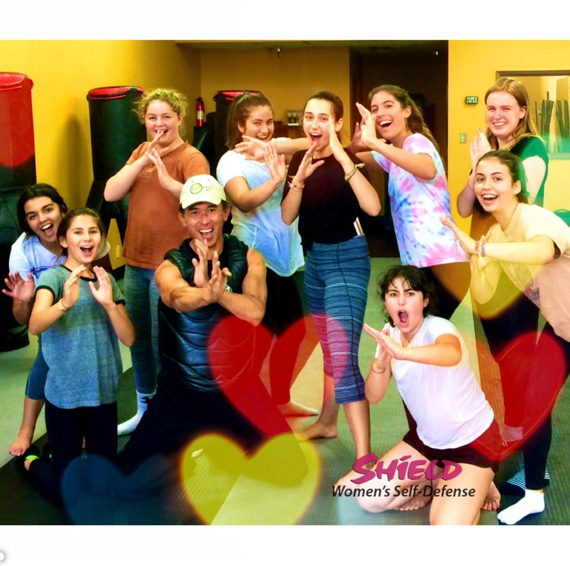 women's self defense classes for teen girls